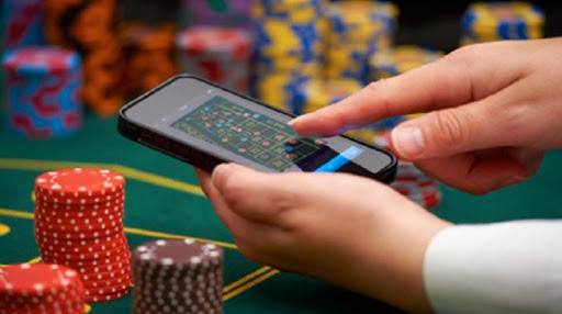 You can watch and learn from situs mobile idn poker videos