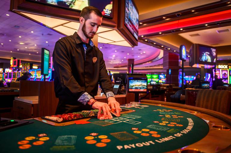 The Advantages Of Various Kinds Of Gambling Online